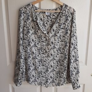 Cabi Ivory Printed Shatter Blouse Top Size Medium